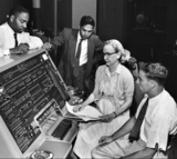 你知道第一个编译器发明者是一位女大牛吗?