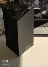 量产版摩托罗拉Razr折叠手机:包装盒设计惊艳