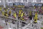 探秘特斯拉上海超级工厂的机器人员工
