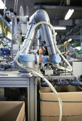 优傲机器人加快推动制造业复工复产