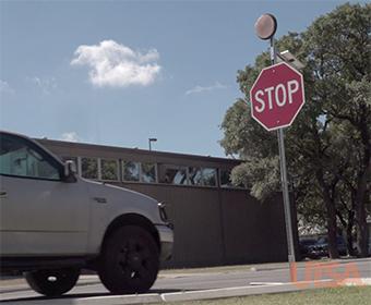 UTSA为农村道路研发低成本十字路口探测预警系统 提升交通信号可见度