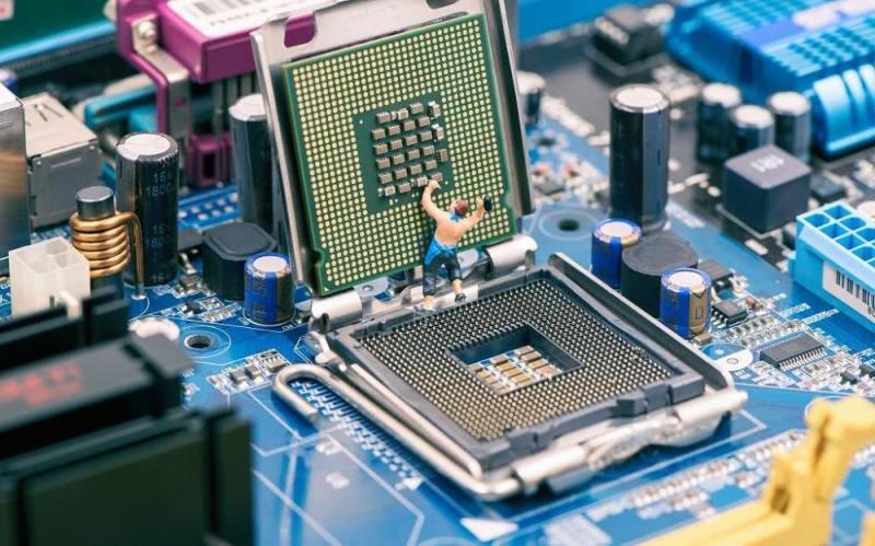 """半导体行业的""""反潮流"""":人工智能如何定义下一代芯片?"""