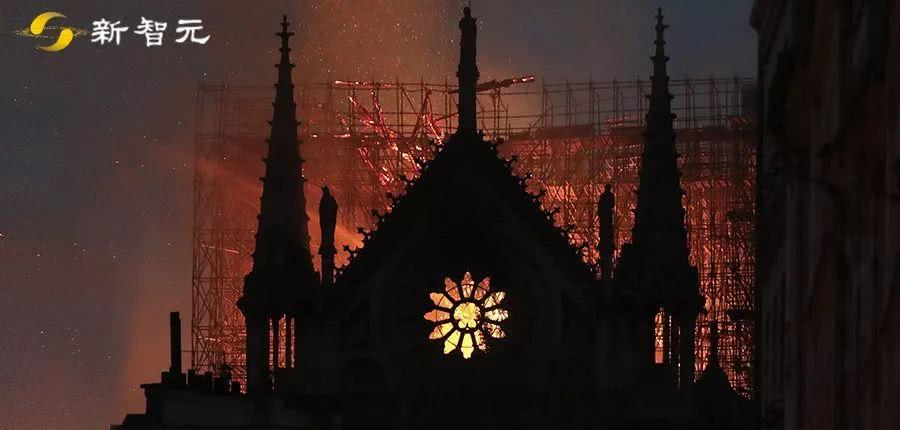 巴黎不哭!AI数字重建让圣母院永生