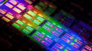 未来芯片靠什么?一场超越硅的竞赛开始了