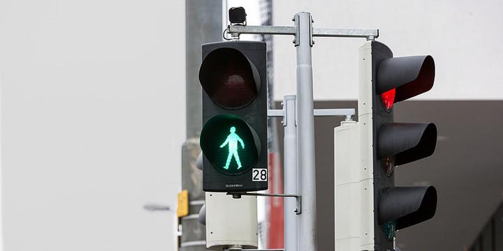 格拉茨技术大学研新摄像头系统 能识别行人过马路意图