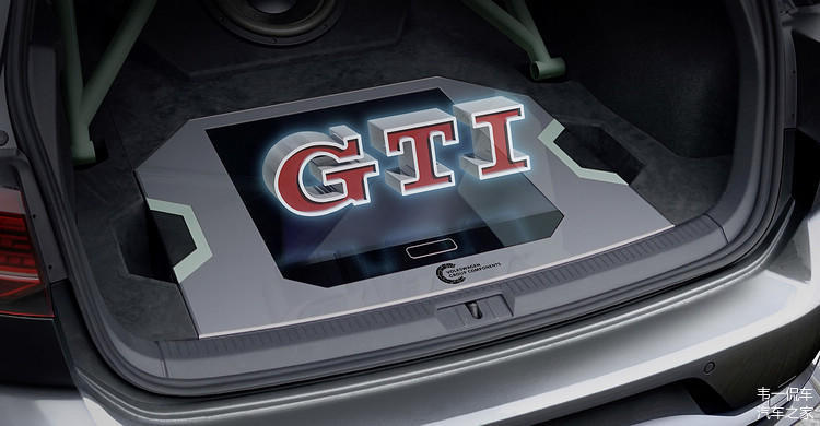 ▲Golf GTI Aurora的车用全像3D投影模块,使用者可直接裸视并且透过手势来控制音响系统。