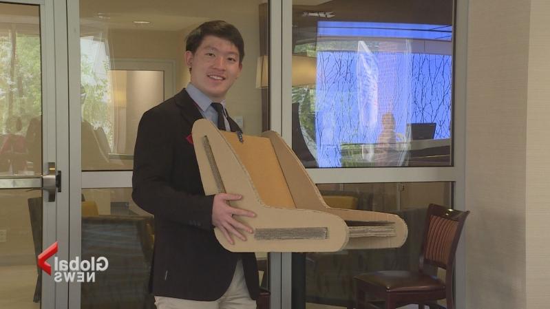 加拿大青少年研發新座椅 可探測被遺忘在車內的孩子