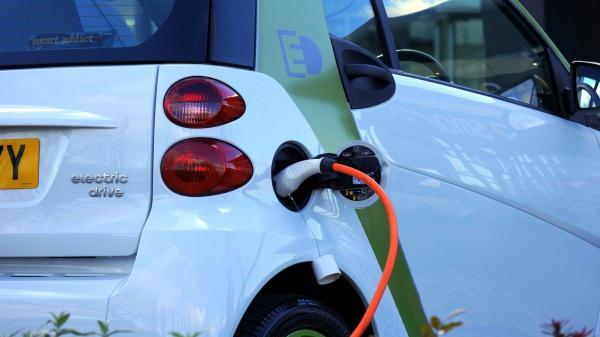 缺電的印度也準備發展電動汽車了