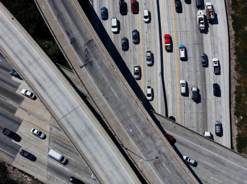 无人驾驶开辟新战场:远程驾驶怎么样?