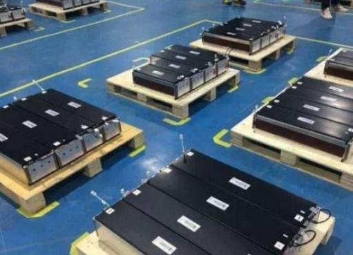 新能源汽车的电池都是用的什么材料