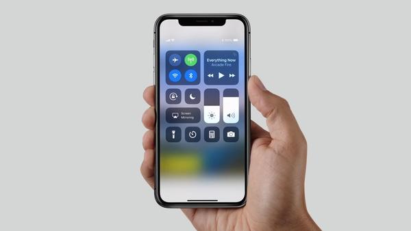 NIKE发布支持苹果的智能手表和Siri的智能鞋?
