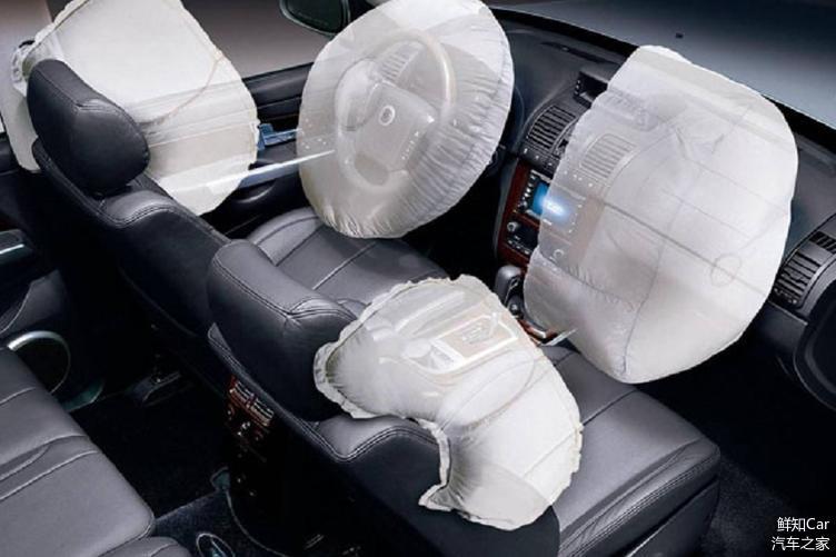 车身侧面气囊,感应碰撞前主动弹出,减少侧面撞击损害