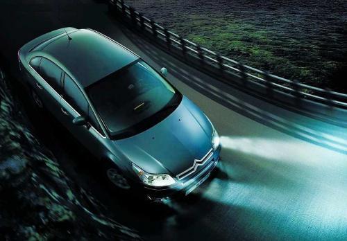 低边驱动在汽车前照灯随动转向系统中的应用用