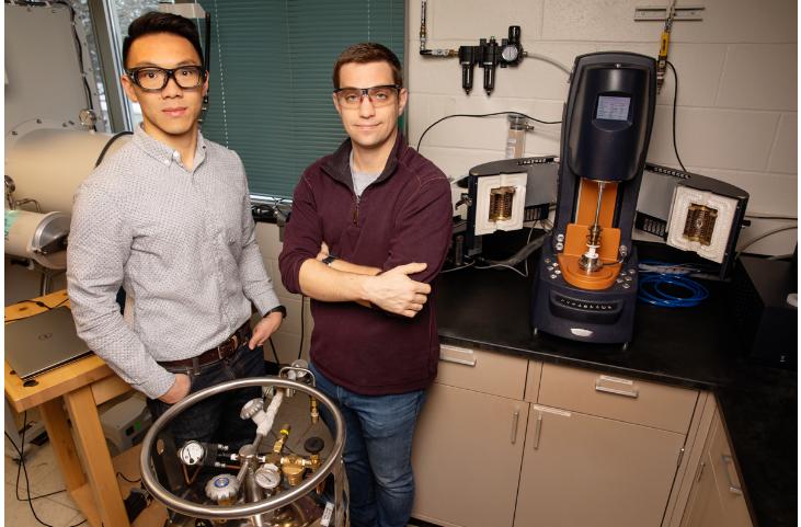电池,Illinois大学,固体聚合物电解质,可修复电池,电池循环