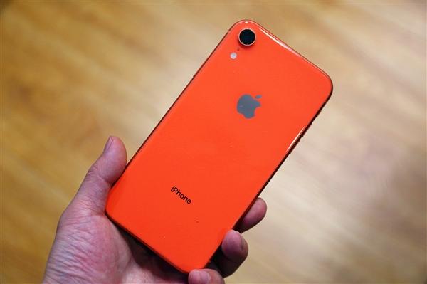 iPhone SE 2细节曝光:6.1寸LCD屏、侧指纹与电源键合一