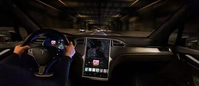 特斯拉的自动驾驶技术有何玄机?