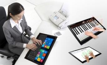 图片包含 人员, 室内, 就坐, 笔记本电脑  描述已自动生成