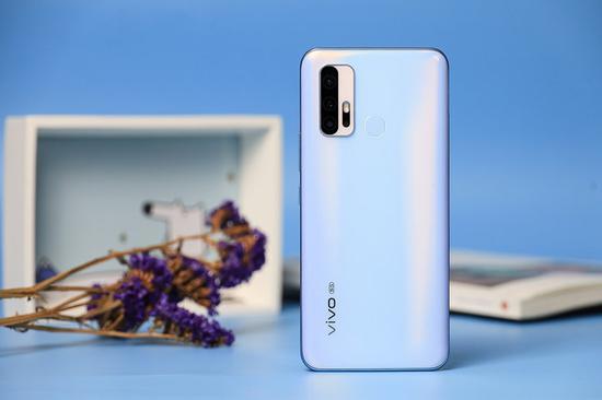 综合性能出色的高性价比5G手机