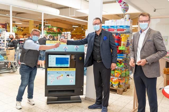 浩亭技术集团交付首台卫生用品自动售卖机