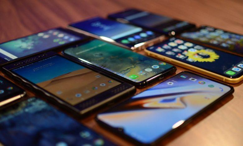2020年8月国内市场5G手机出货量1617万部 占比60.1%