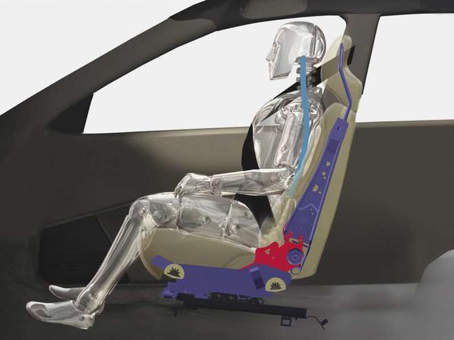 沃尔沃致力于提高女性事故安全 并开发女性碰撞测试假人